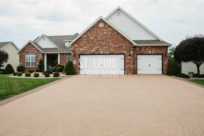 Epoxy-stone Driveway located in Chesterfield, Missouri by st. louis resurfacing